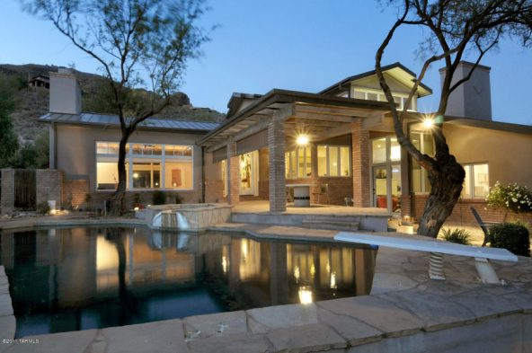 Ventana Canyon Drive | Ventana Canyon Country Club  $899,000